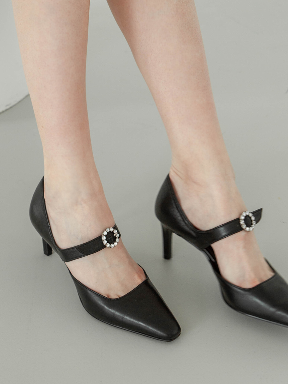 Mrc053 Blooming Pumps (Black)