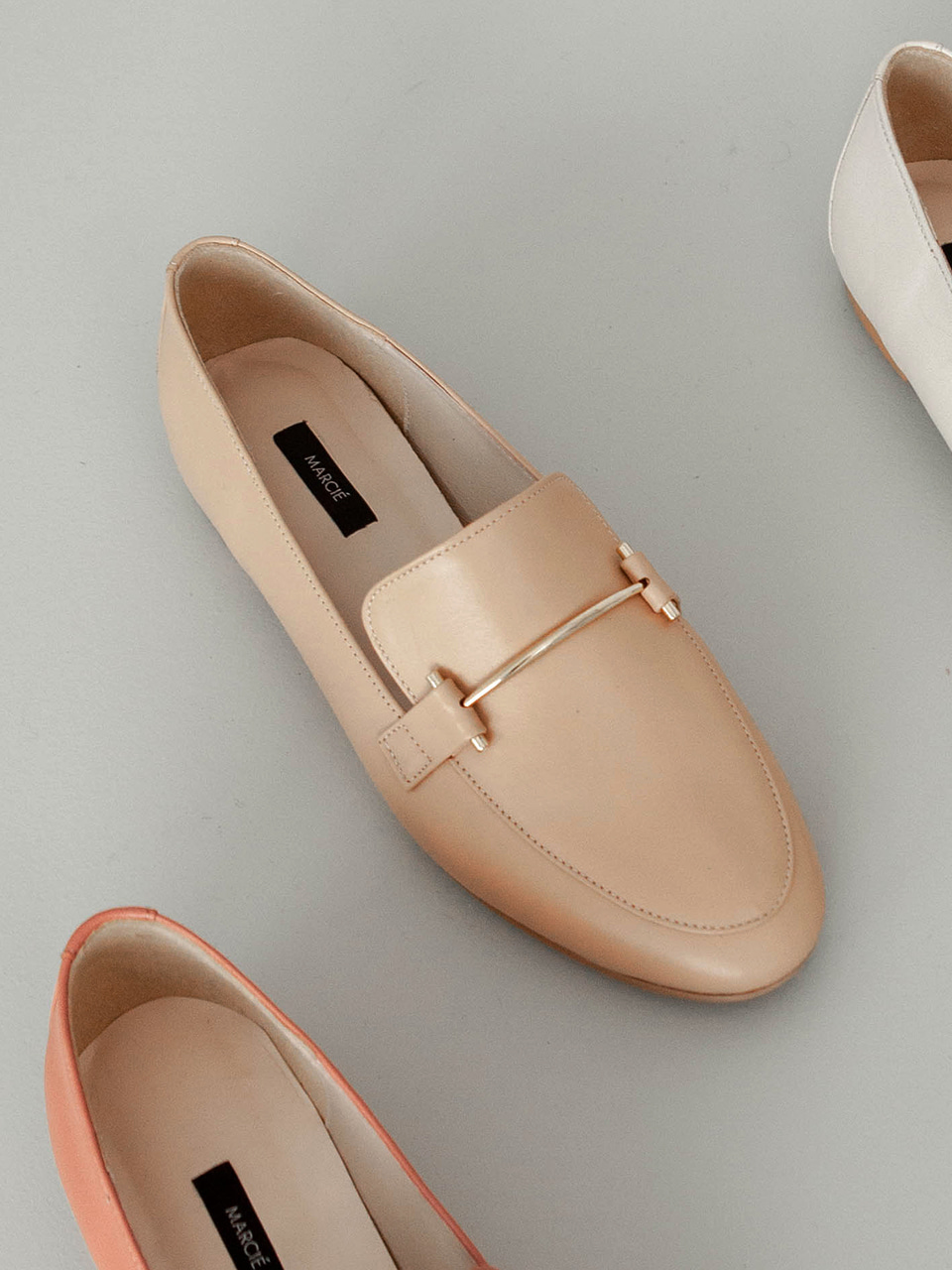 Mrc052 Gold Pin Loafer (Nude Beige)
